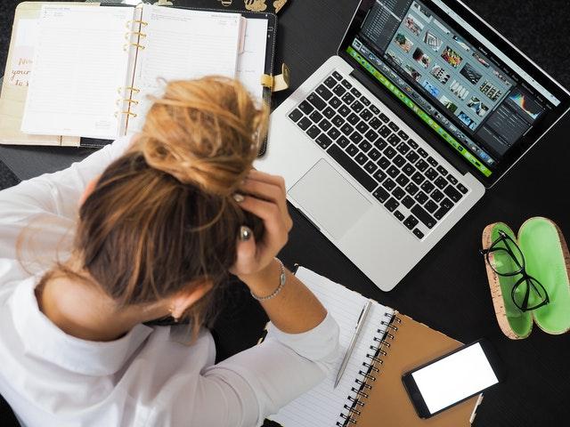 Stress da rientro e da rientro in azienda dopo lo smart working da lockdown